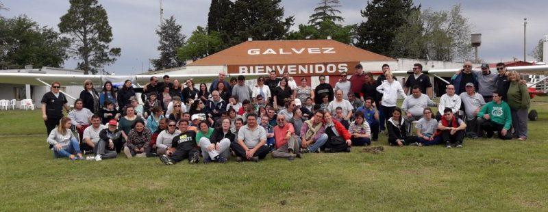 El Aeroclub Gálvez, en la provincia de Santa Fe, y un inolvidable día aeronáutico con los chicos del Taller Pinquén.